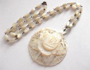 VINTAGE ART DECO CARVED MOTHER OF PEARL FLOWER PENDANT ROSARY BEADS NECKLACE