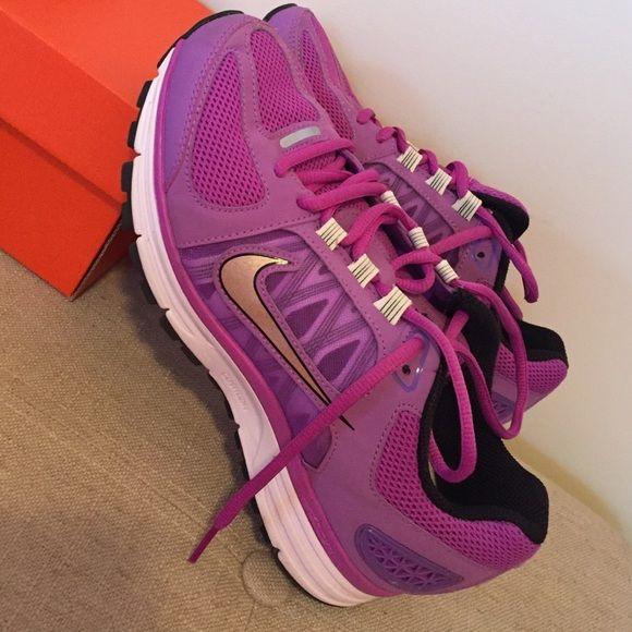 Women's Nike + Vomero 7 purple workout shoe