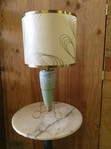 Vintage table lamp mid century modern green vase with white items similar to vintage table lamp mid century modern green vase with white splattered paint details in wire base table lamp with original lamp shade no greentooth Images