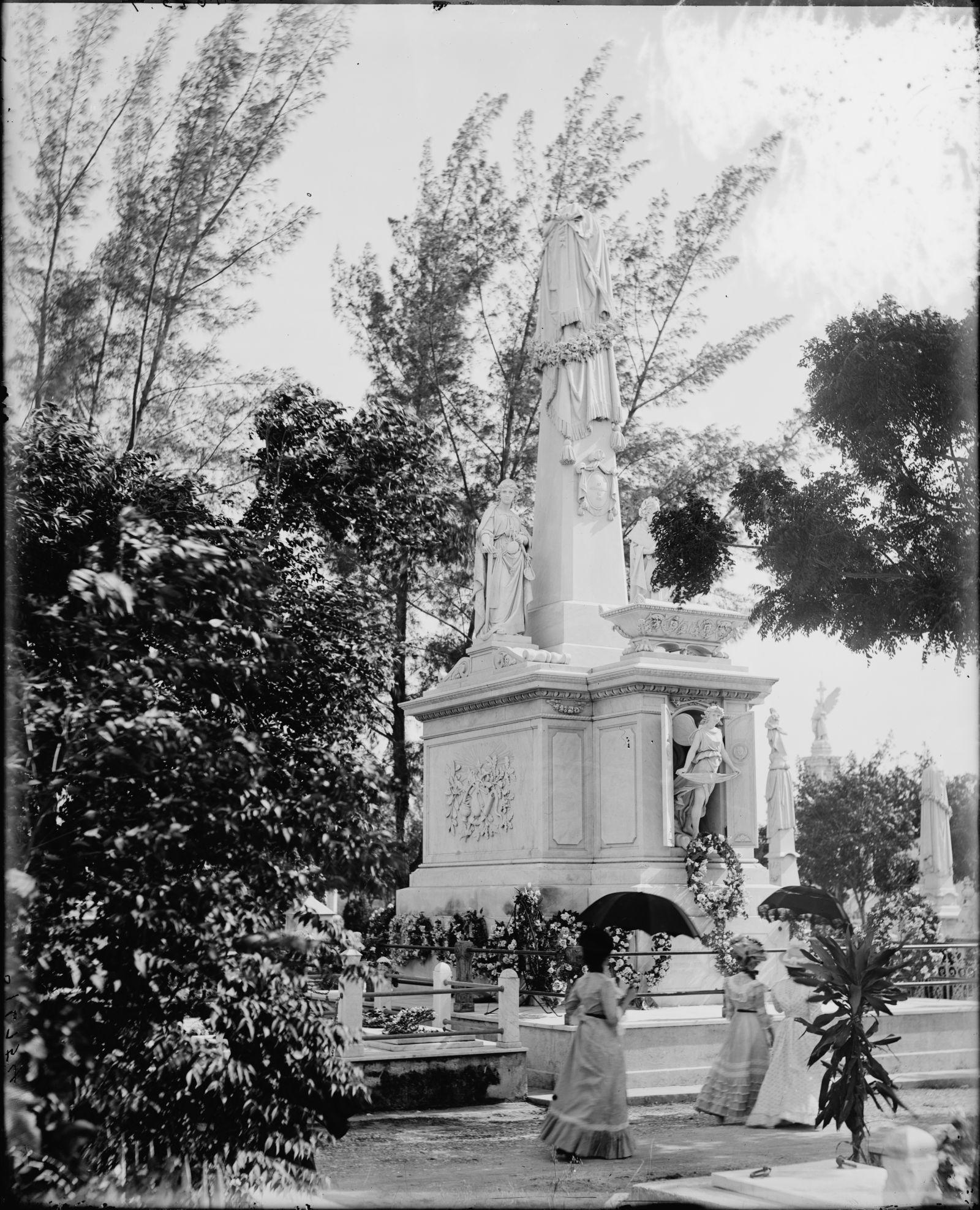 Monument to Cuban Students, Colon Cemetery, Havana, Cuba