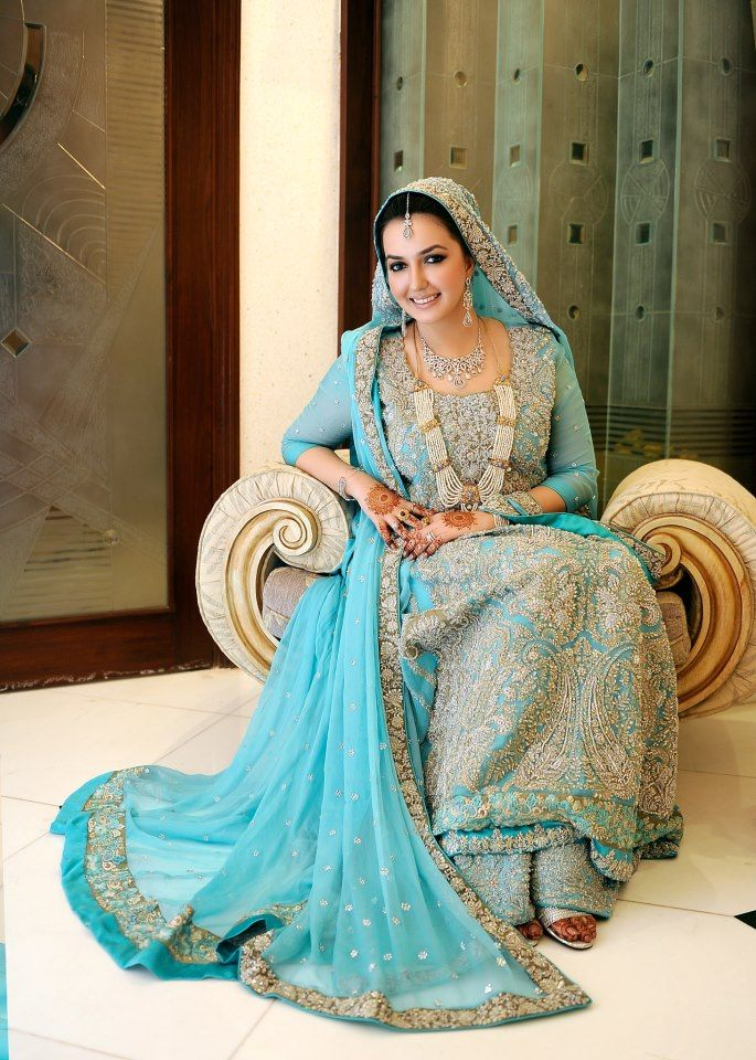 Faiza Ali In Sana Safinaz Bridal Couture On Her Valima A List Of Best Dress Designers In Islamabad Kar Pakistani Bride Walima Dress Pakistani Wedding Dresses