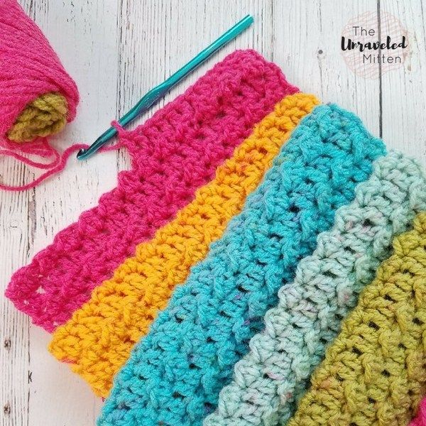 Textured Infinity Scarf Pattern Using One Caron Cake | Trapillo y Tejido