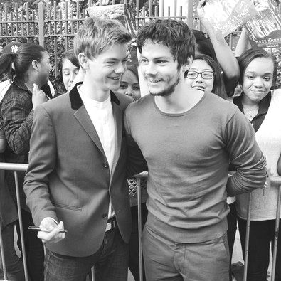 too much good looking-ness... oh no... dylan and thomas from The Maze Runner <3