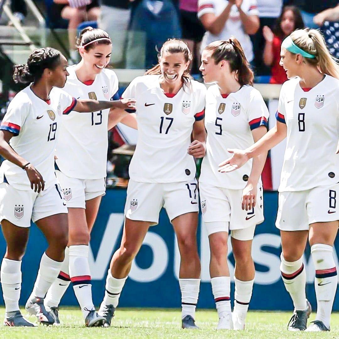 Crystal Dunn Alex Morgan Tobin Heath Kelley O Hara And Julie Ertz 2019 Uswnt World Cup Team Usa Soccer Women Women S Soccer Team Usa Soccer Team