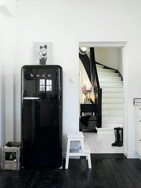 Zwarte Smeg Koelkast Zwarte Keukens Geschilderde Vloer Koelkast