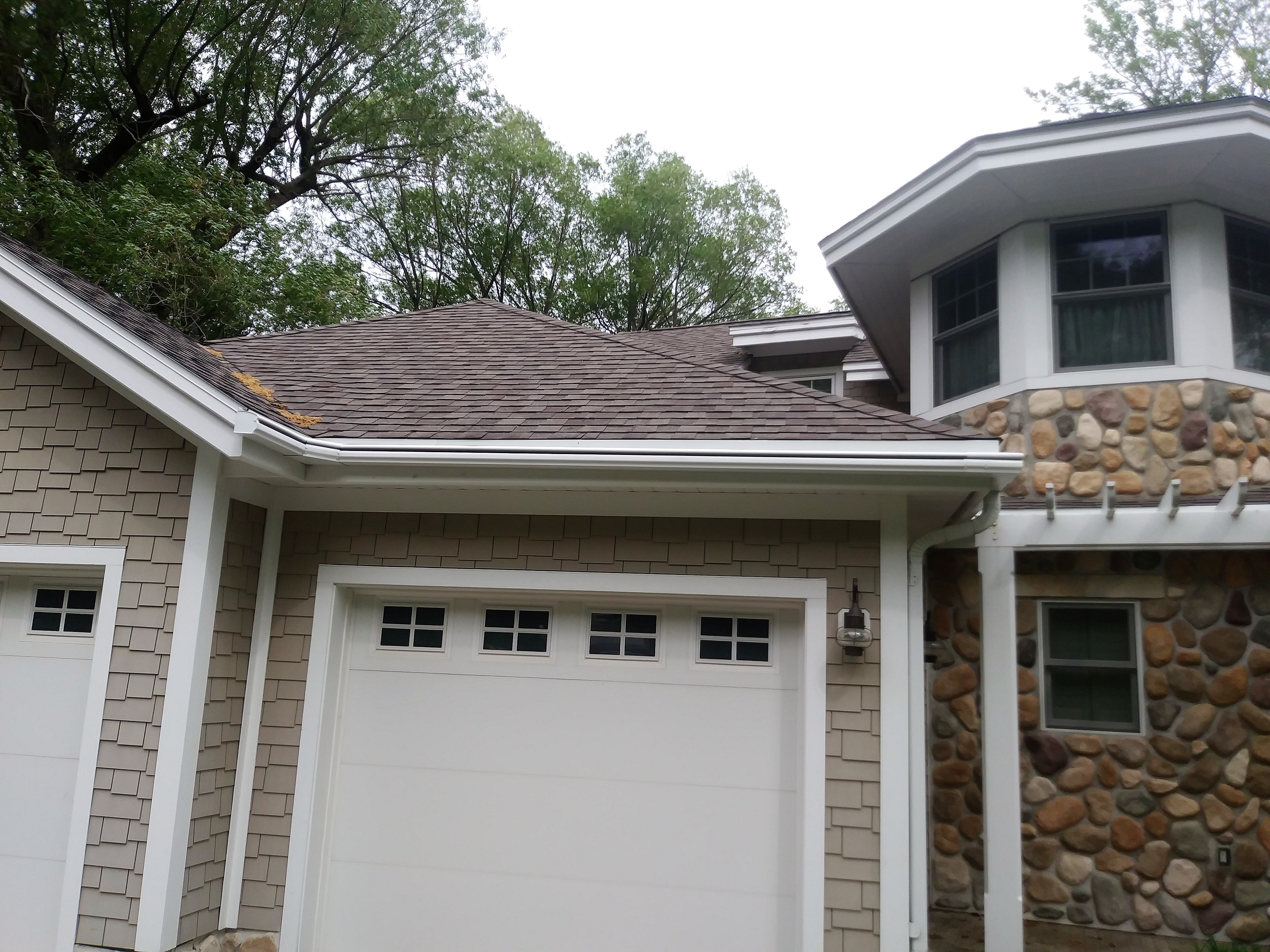 Leafguard Gutter Installation On Two Story Cabin In Detroit Lakes Mn How To Install Gutters Seamless Gutters Curb Appeal