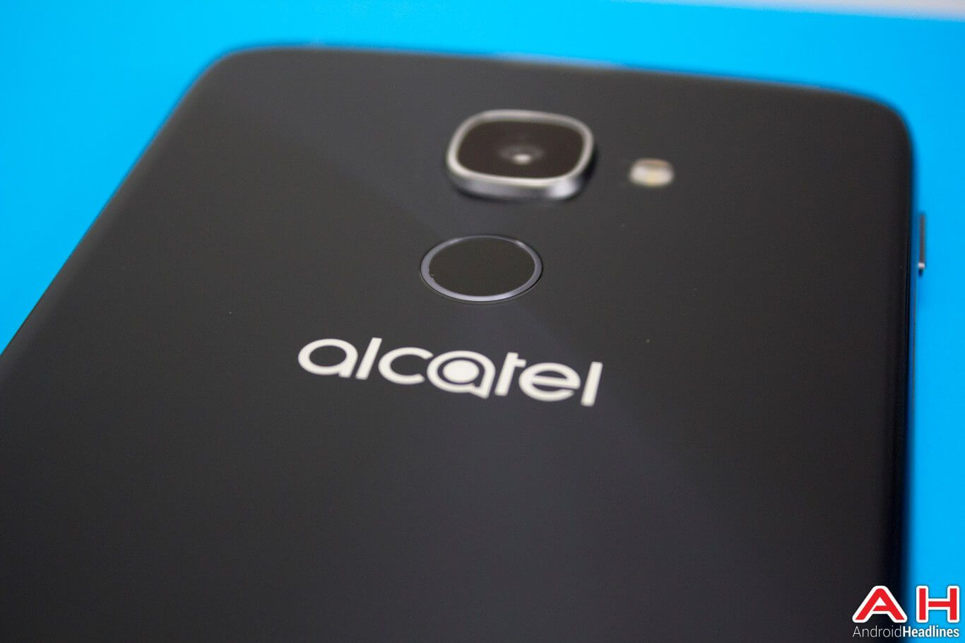 Benchmark Hints At An Alcatel Idol 4 Pro Running Android 7 0