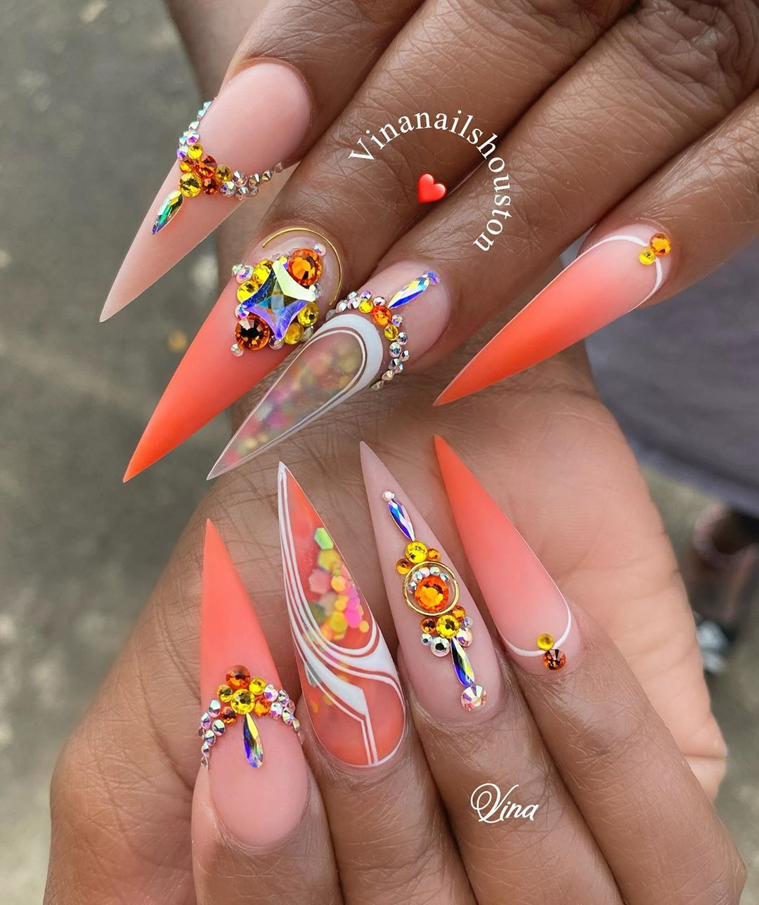 Vina S Academy Training Classes From Basic To Advance From Acrylic To Gel And Everything Else Dm For More Informat In 2020 Stiletto Nails Long Acrylic Nails Nails