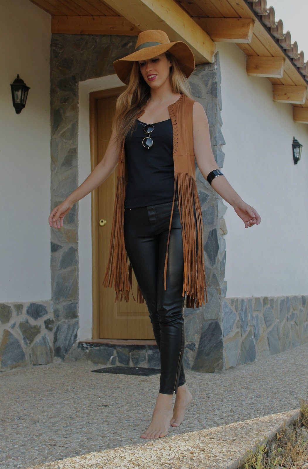 Inner Soul - #blog #blogger #style #streetstyle #fringes #suede #gilet #leather #boho #hat #bohemian