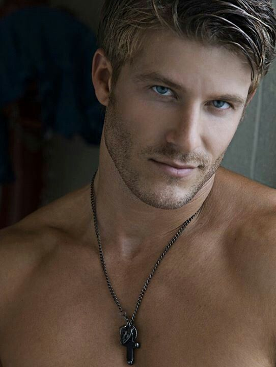 hot-blonde-men-photo-gallery