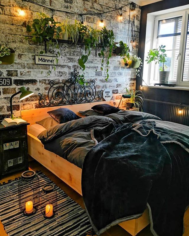 """Ideias Diferentes on Instagram: """"Boa noite com esse quarto lindo da @kunis_lovely_vintage_home 💚 Ainda terei uma parede de tijolinhos para chamar de minha!…"""""""