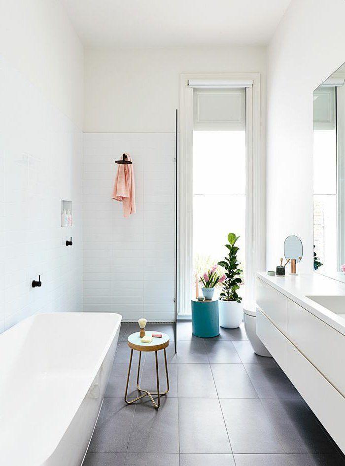Comment aménager une petite salle de bain? Grey bathrooms - salle de bain carrelee