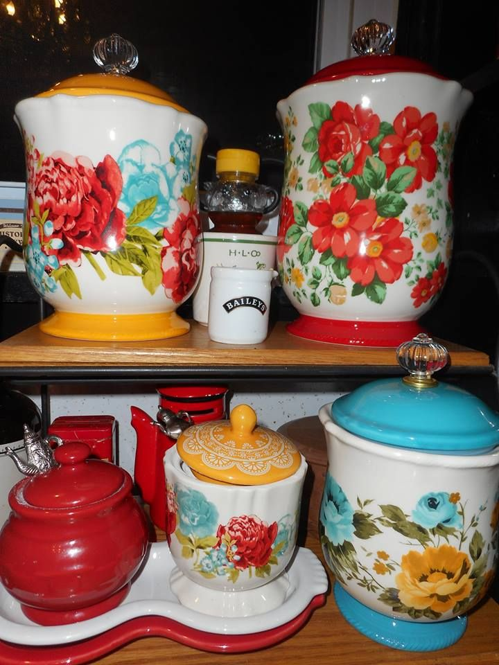 I Love These Canisters In 2019 Pioneer Woman Kitchen