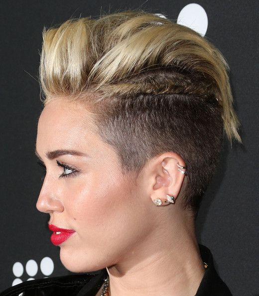 More Pics Of Miley Cyrus Red Lipstick Miley Cyrus Miley Cyrus