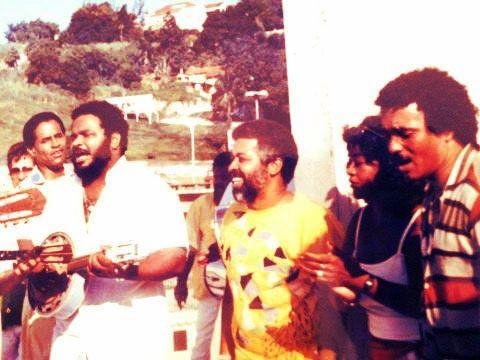 Momento histórico do samba (esq. para dir.): Bira Presidente (ao fundo), Arlindo Cruz, Jorginho do Império, Pedrinho da Flor, Elaine Machado e Agepê (?). Você gosta de samba? Visite o Traço de União (SP): http://www.tracodeuniao.com.br