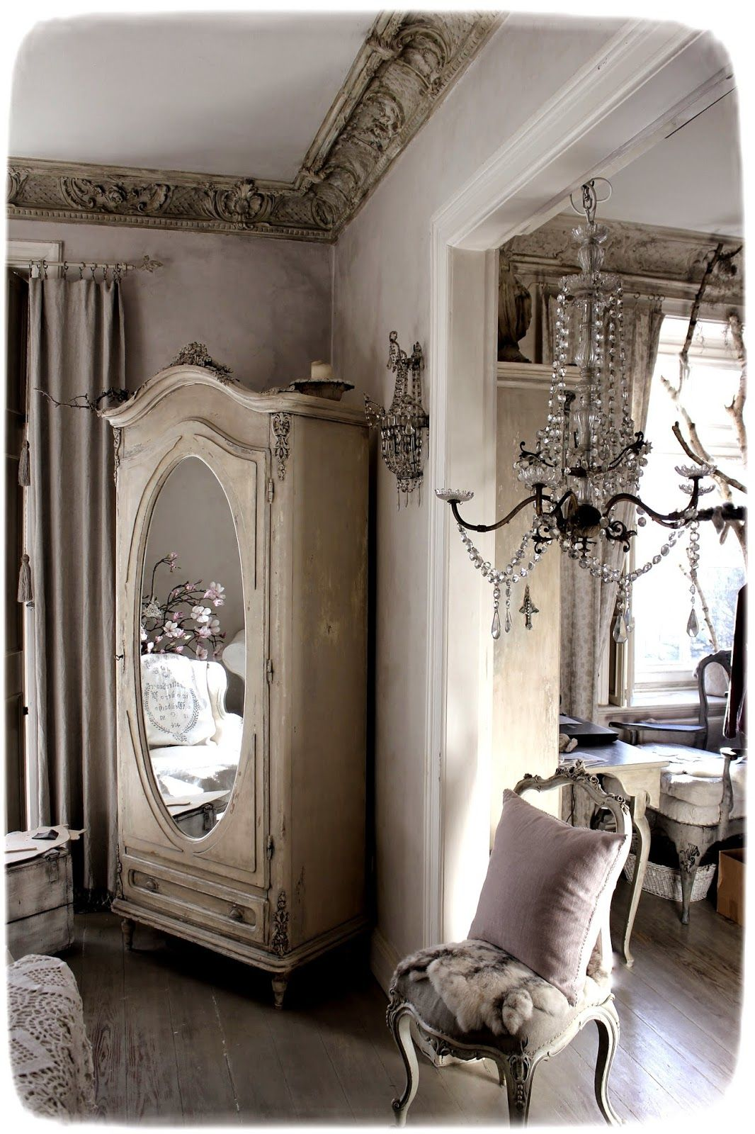 Vintage Home Interior Design: Méas Vintage And So Very French! #decor #interiors