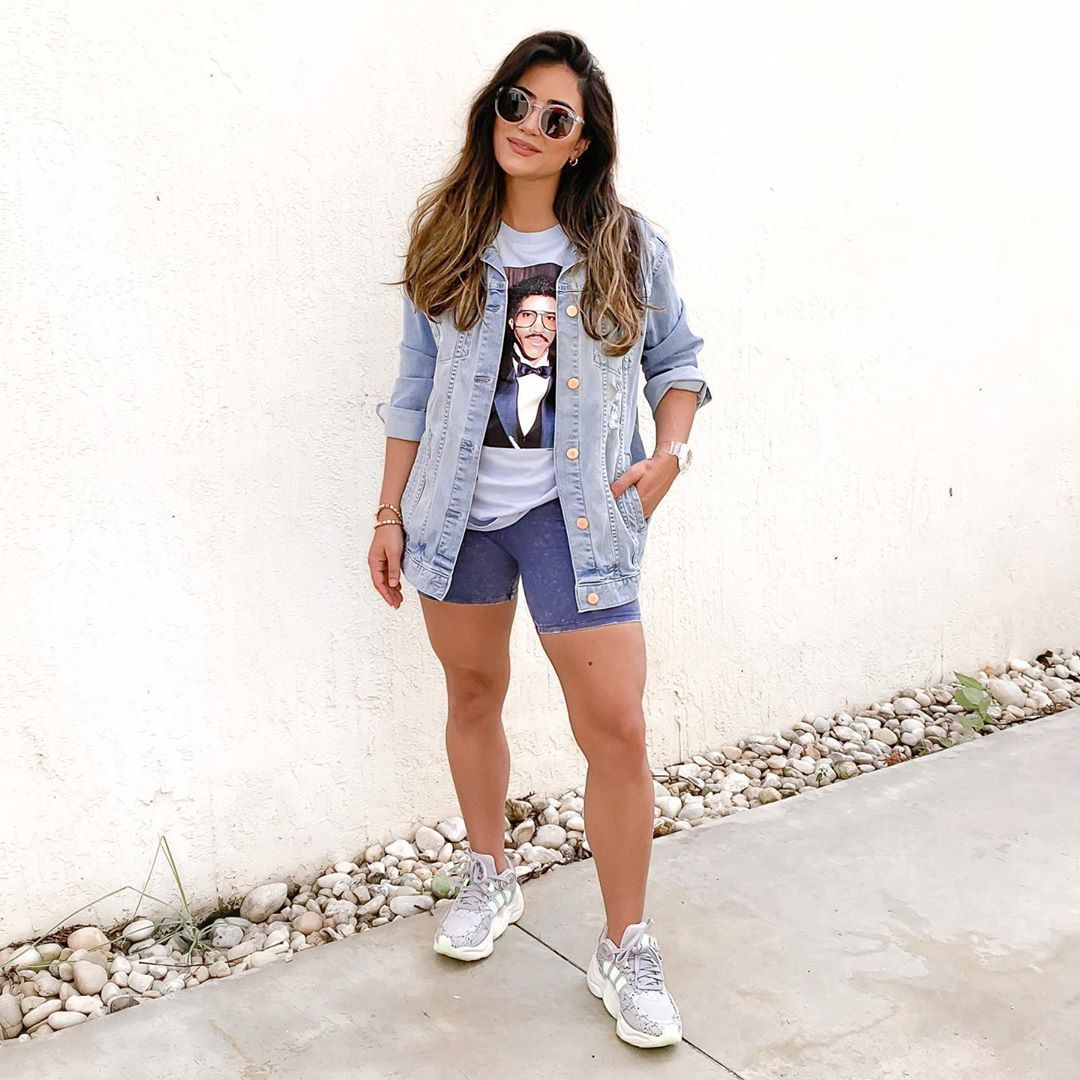 Style Blogger Kristaperez Flannel Outfits Bike Shorts Outfit Short Outfits [ 1080 x 1080 Pixel ]