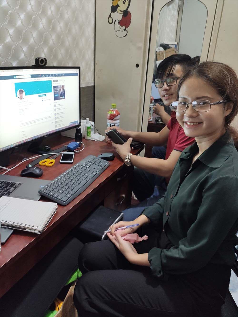 Phiên dịch tiếng Anh Online hỗ trợ giao dịch trực tuyến