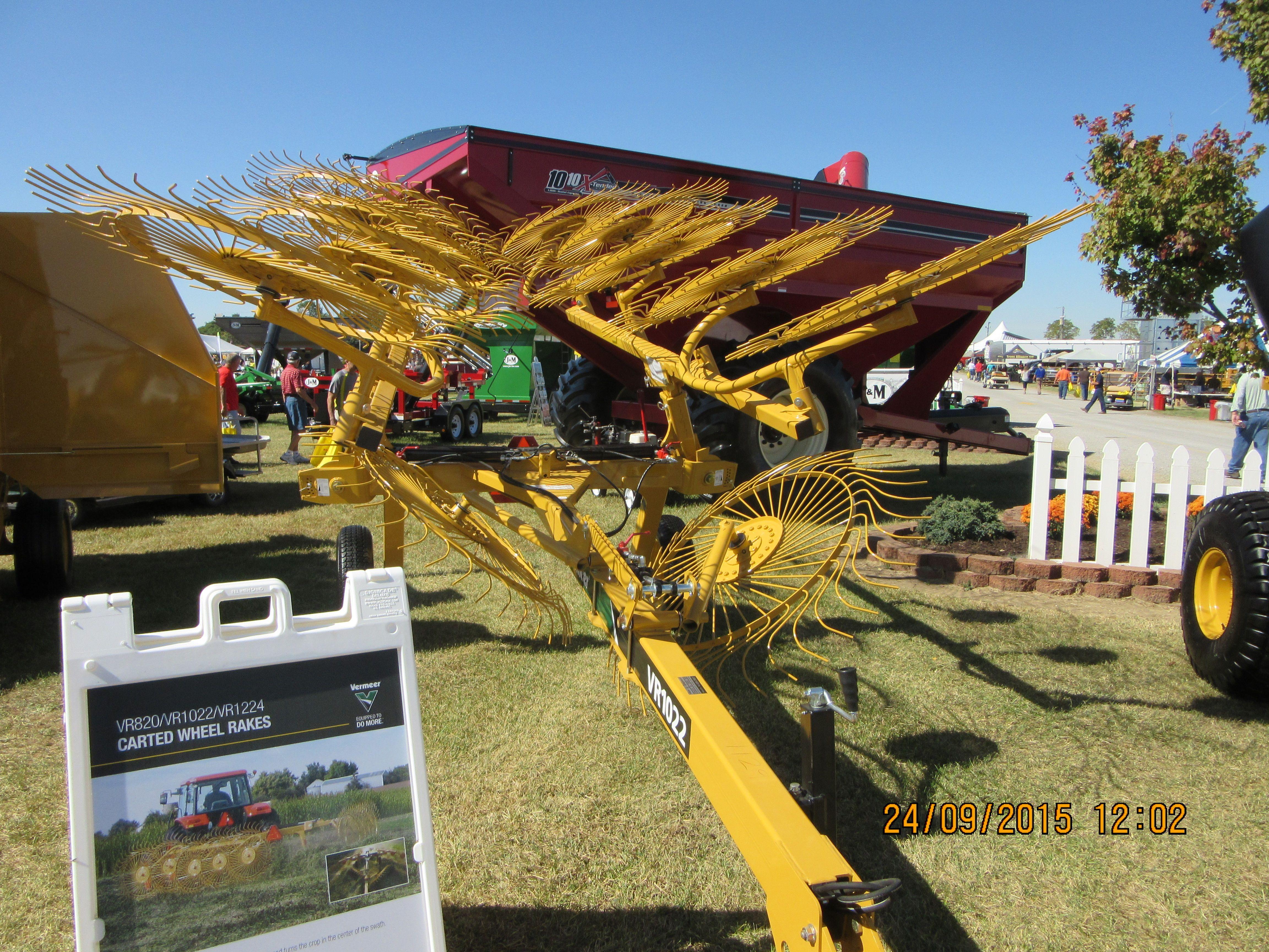 Vermeer 1022 carted wheel rake   Farm Equipment   Pinterest