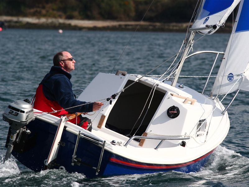 West Wight Potter :: gallery | micro sailboat in 2019 | Boat, Sailing ships, Sailboat
