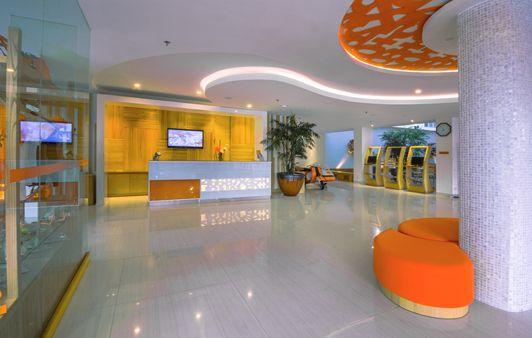 near airport HARRIS Hotel Raya Kuta - Bali