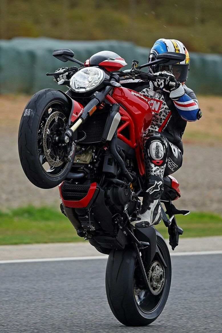 FIRST RIDE REPORT: Ducati Monster 1200R