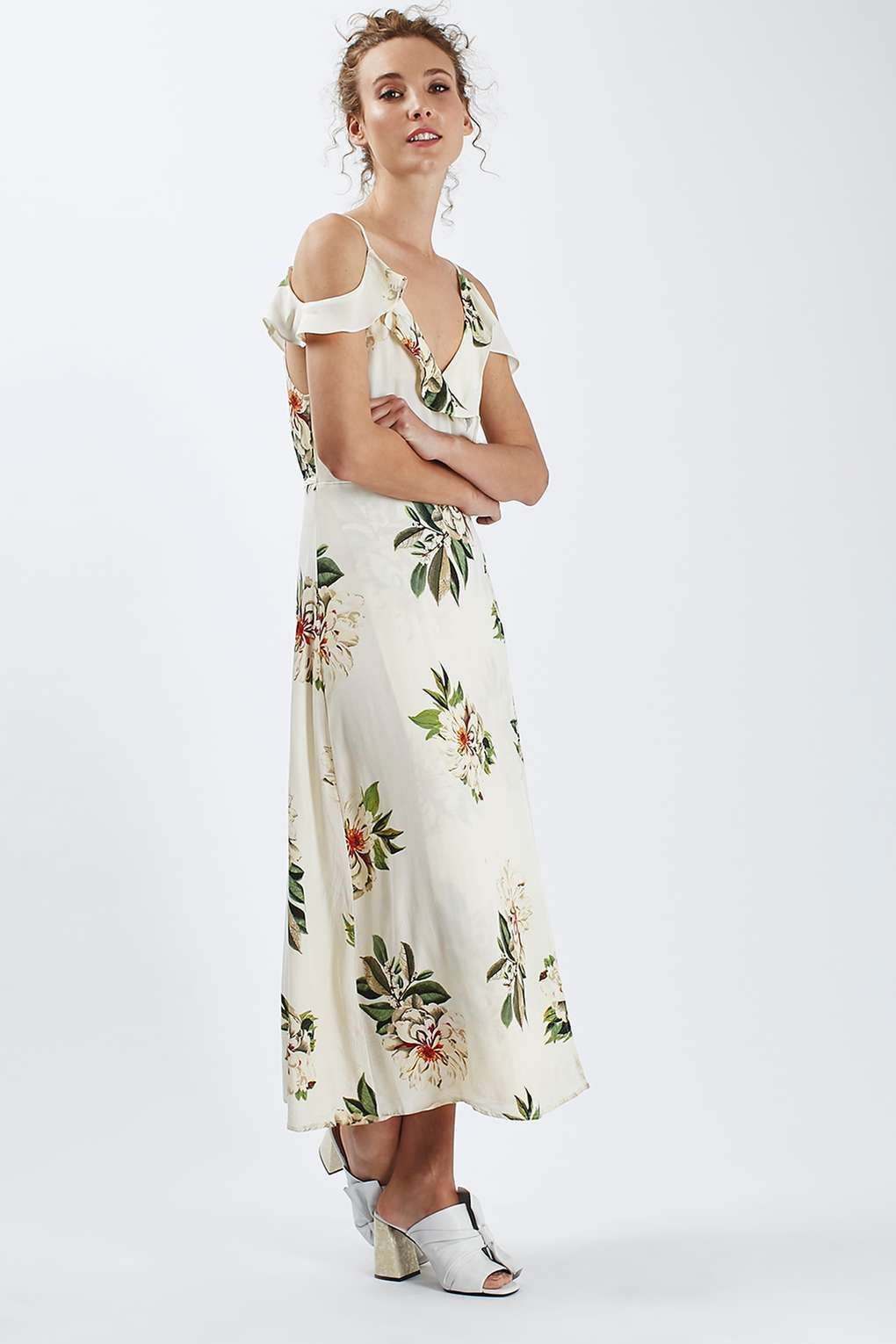 Outdoor summer wedding dresses  How perfect is this Topshop dress for an outdoor summer wedding