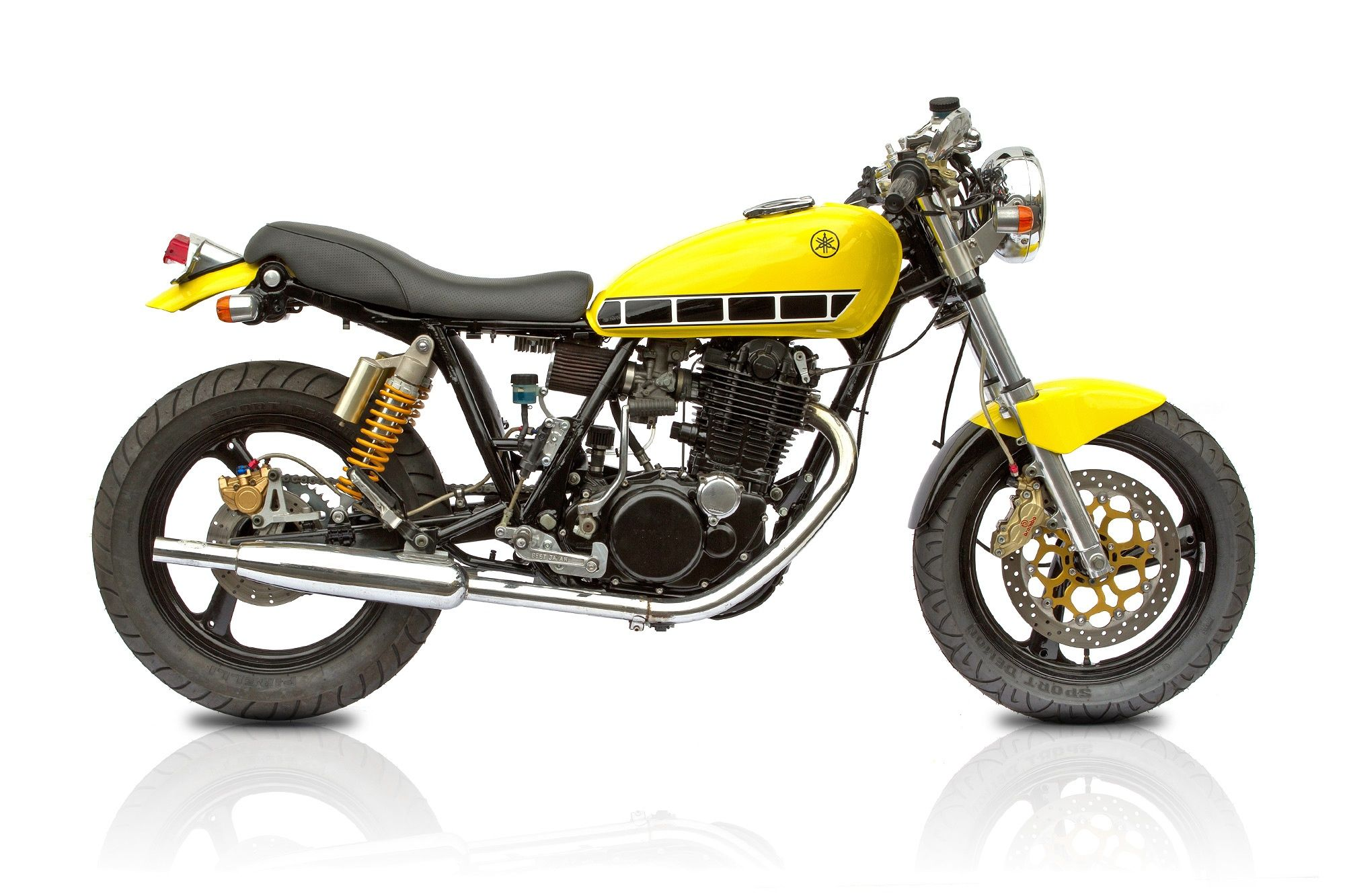 "Yamaha SR 500 ""RB Racing Yellow"" by Deus"