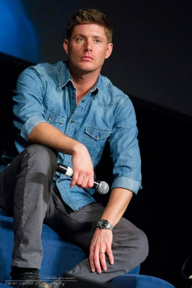 Jensen Ackles - Mmmm denim shirt and his gray jeans. Yes ...