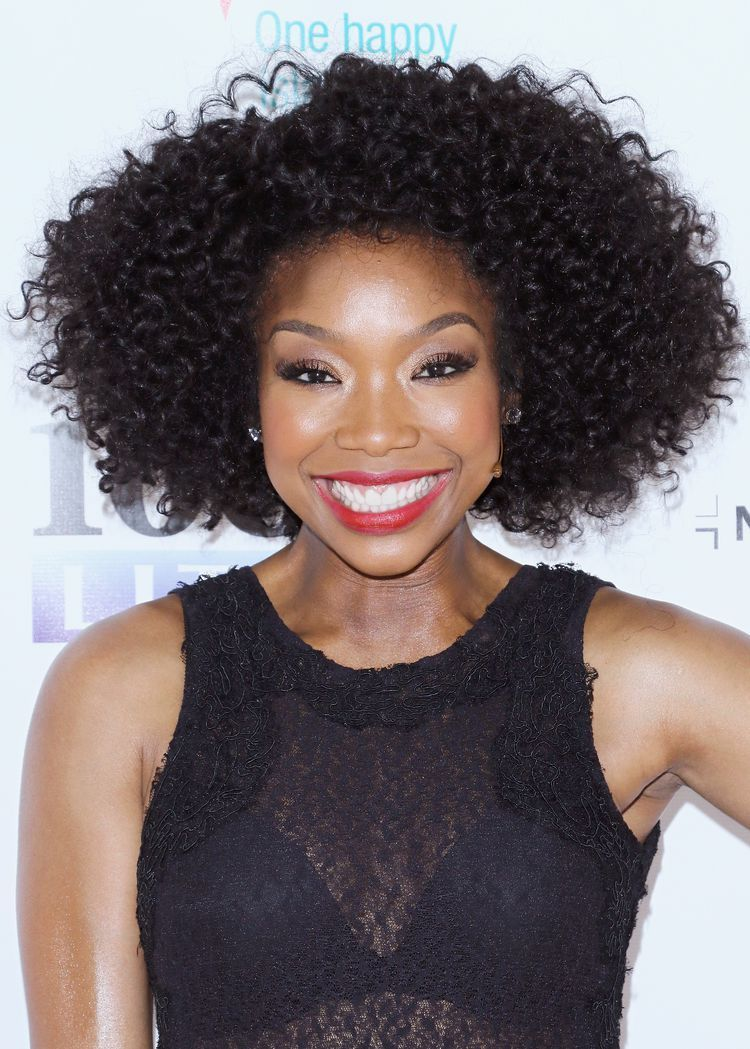 Gorgeous natural hairstyles on black women