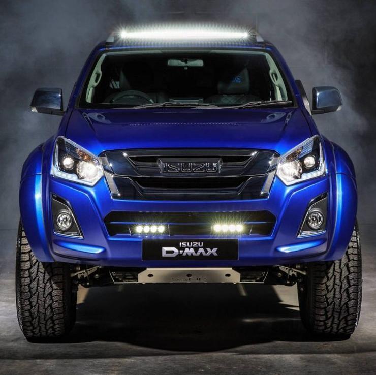 Isuzu D Max V Cross Safir Looks Smashing Is A Super Limited Edition Pick Up Truck Isuzu D Max Four Wheel Drive Sportscar