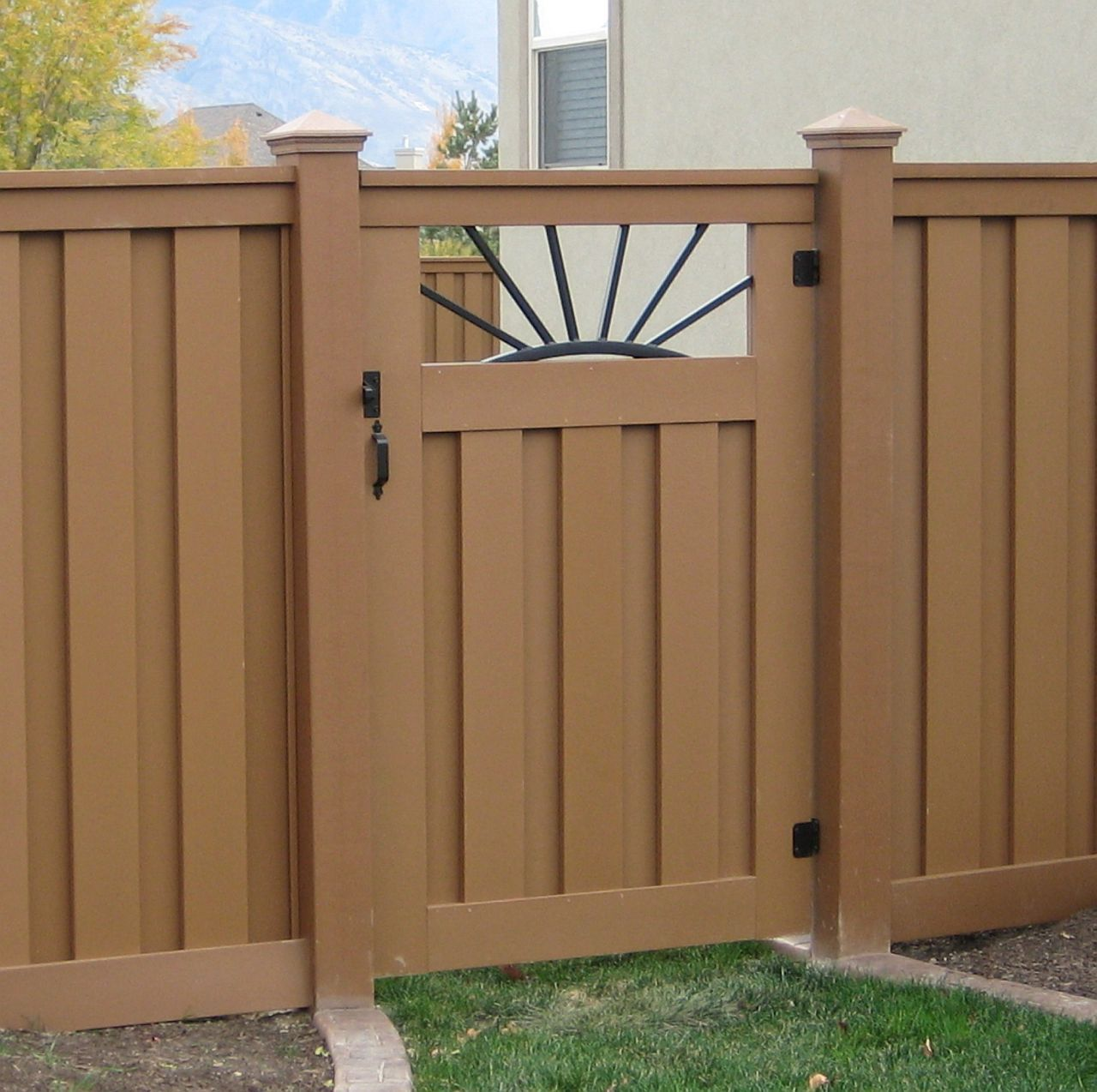 Custom Fence Gates with Premium and Best Quality Products