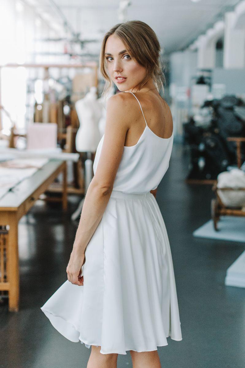 Pin von Resa auf Standesamt   Kurze kleider, Outfit, Stil