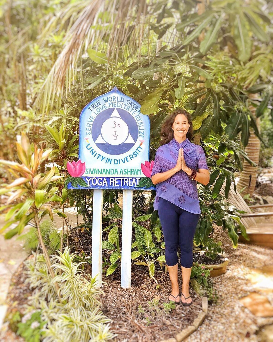 Bahamas My Heart Is With You May You Be Safe From Hurricane Dorian Susavasana Yogis Ashram Nature Yogaphoto Sivananda Yoga Yoga Everyday Yoga Photos