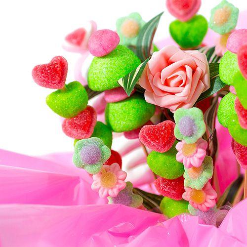 Bouquet de bonbons le romantique le parfait cadeau pour for Bouquet cadeau