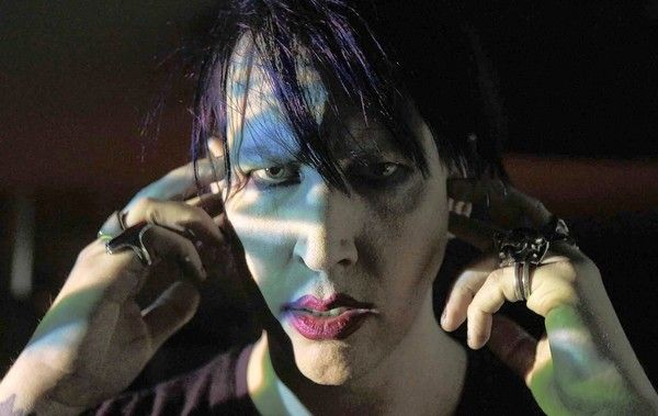 Marilyn Manson shakes things up with 'Born Villain'