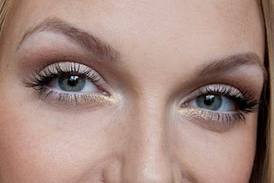 Victoria's Secret Makeup how-to... this chick rocks, visit her site for tons of classy how-tos!!