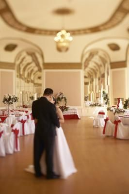 Do it yourself ceiling decor draping for weddings planning your do it yourself ceiling decor draping for weddings solutioingenieria Image collections