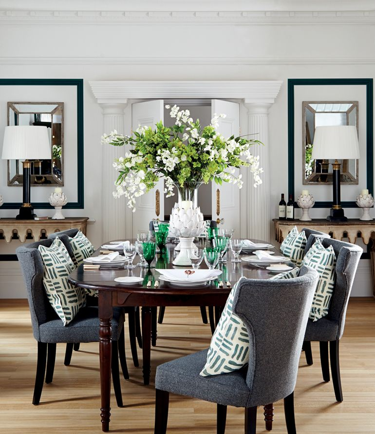 The Dining Room Of This Sophisticated Apartment Is Full Of