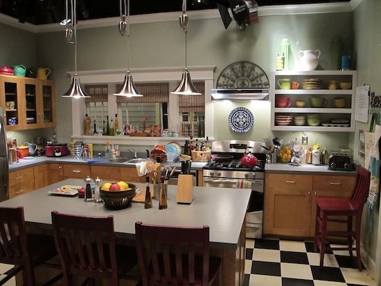 Love this kitchen from the set of Parenthood.  Soooo my style.