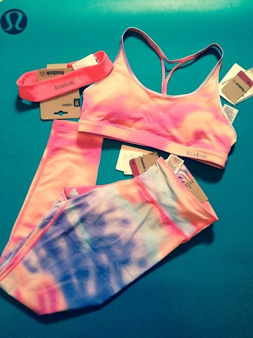 Love these pants, sports bra and headband for yoga! tres fetch