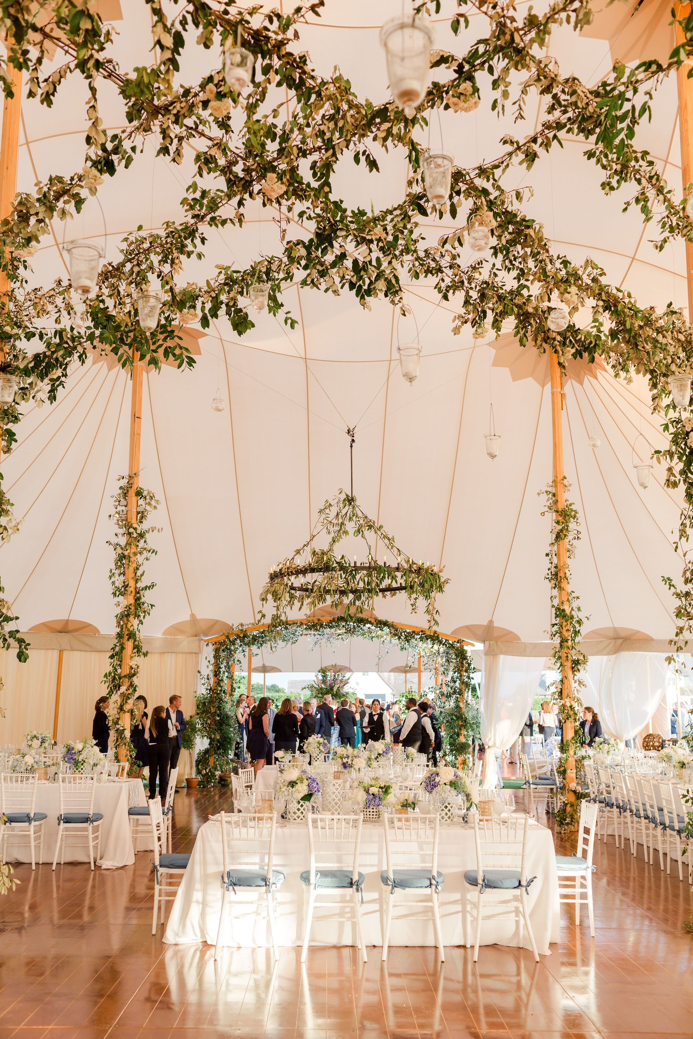 A Classic Summer Wedding In The Hamptons Summer Wedding Morning Wedding Wedding