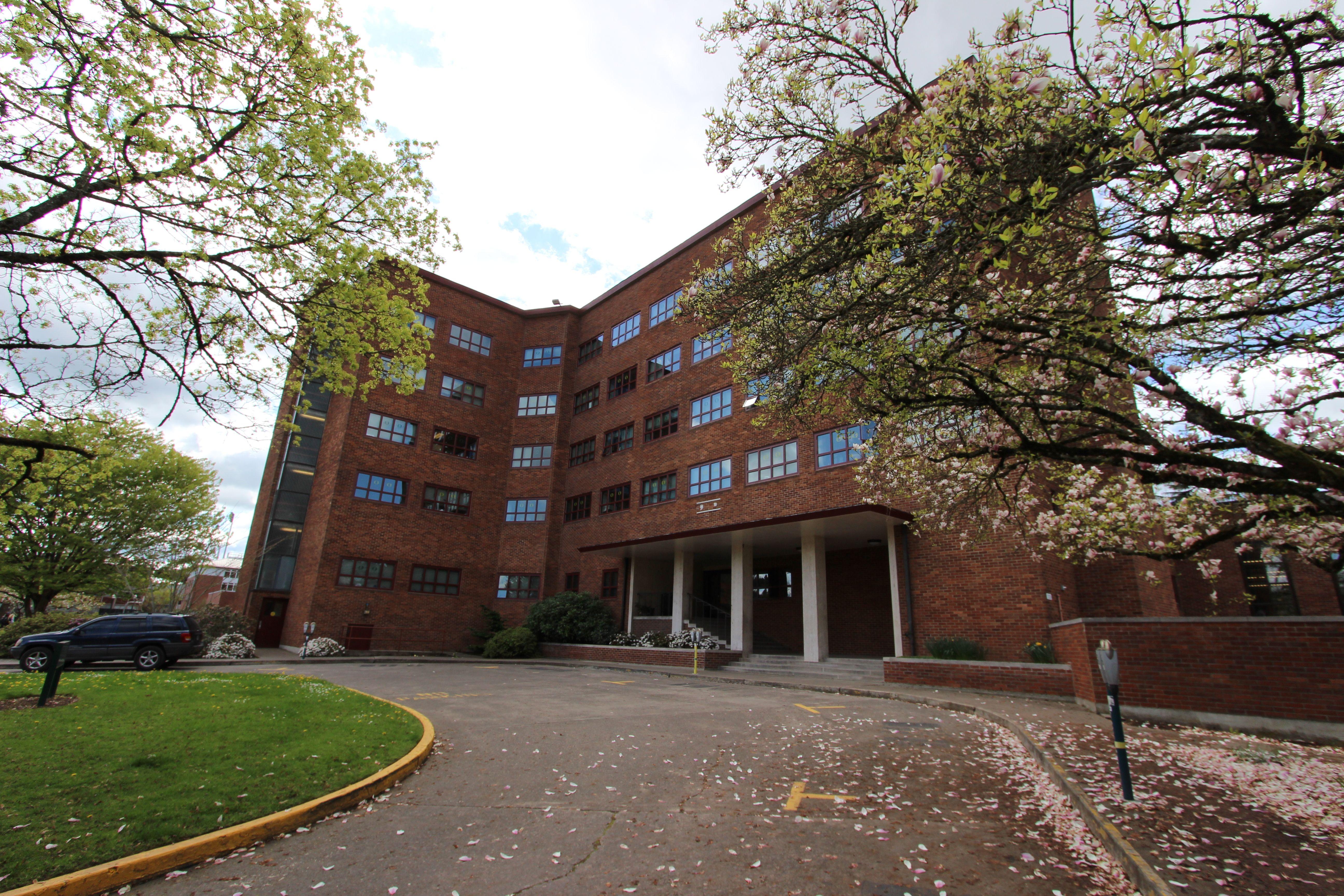 75d6b99d85d18dd43df00e563a631ead - University Of Oregon Housing Application Deadline
