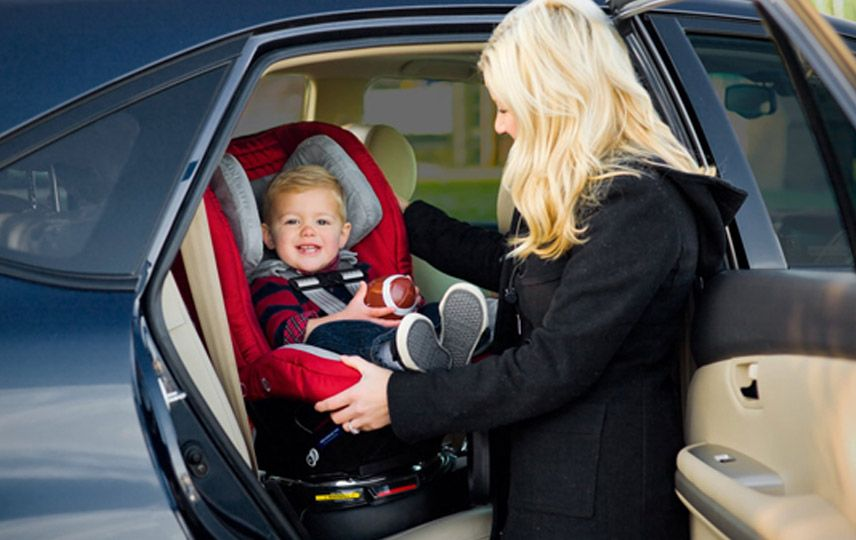 The only toddler car seat that rotates for easy entry and exit ...