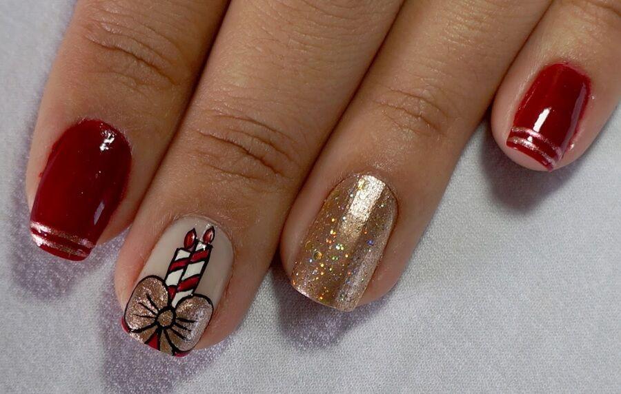 Manicure navideño para uñas cortas