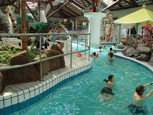 Rapids coral reef bracknell berkshire uk water park - Watford swimming pool with slides ...