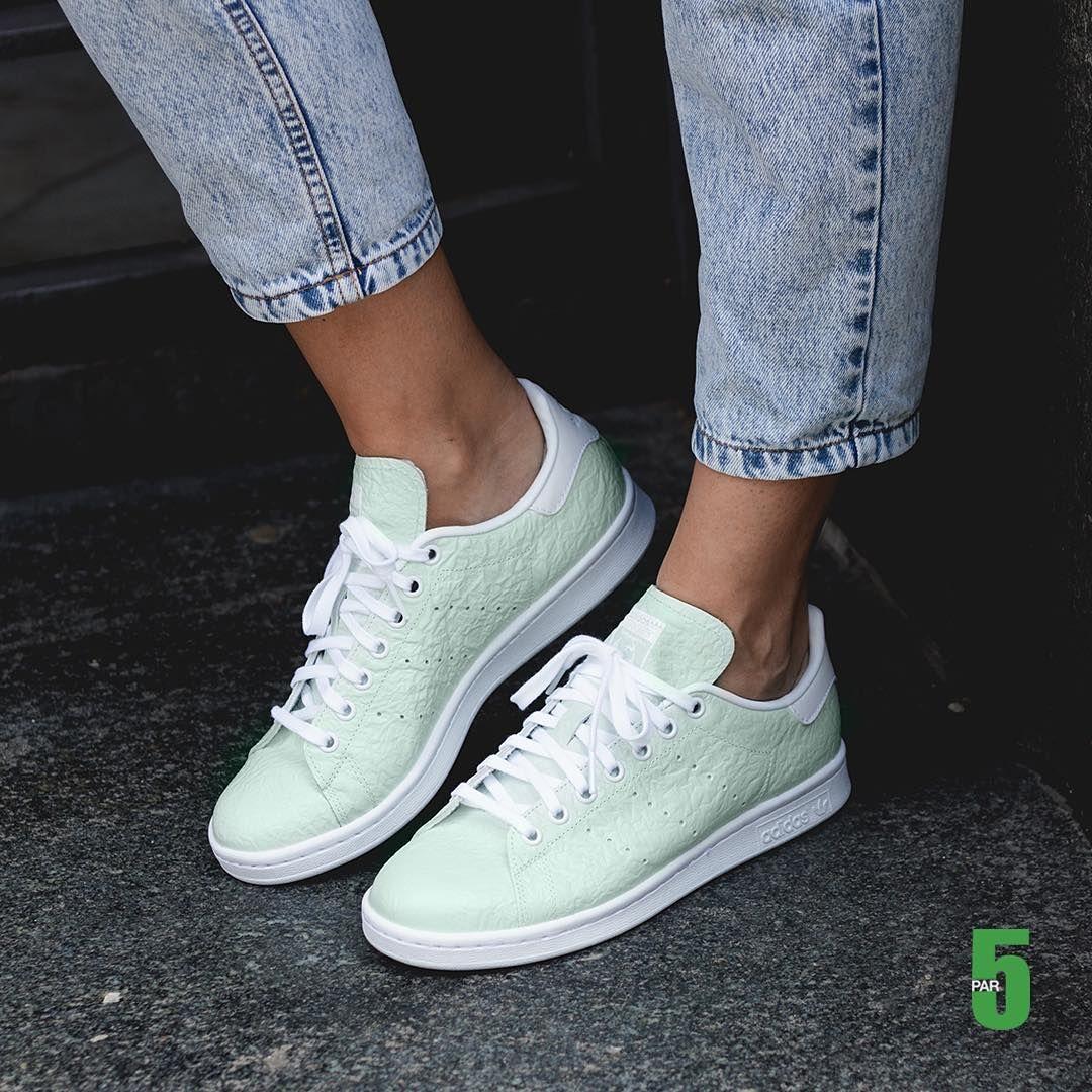 Girlsonmyfeet - Women Sneakers Style. Vogue StyleFab ShoesShoes HeelsAdidas  ...