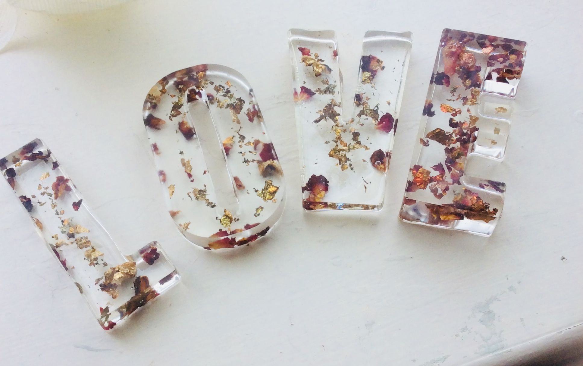 Freestanding hand made word LOVE love Resin crafts