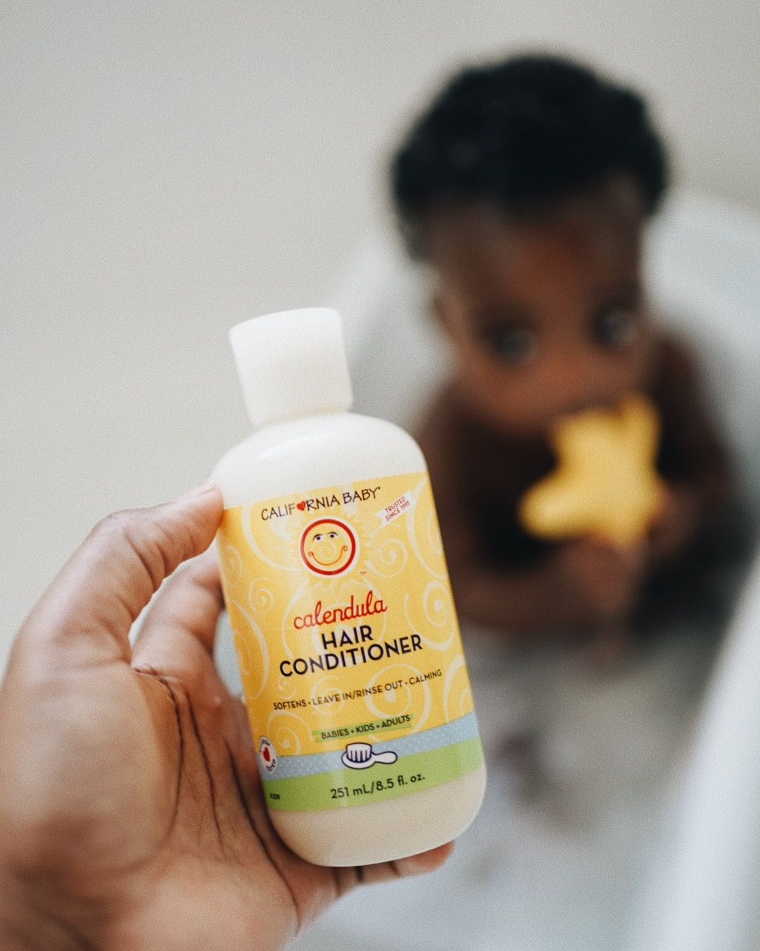 California Baby Calming Massage Oil By California Baby 15 70 California Baby S Calming Loving Massage Oil Is Composed Of Quality Vegetable Oils Of Aprico