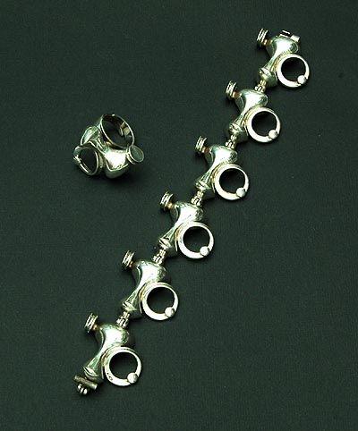 Jorma Laine for Turun Hopea, modernist vintage silver bracelet, 1973. #Finland